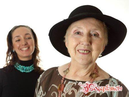 Подарок бабушке на 8 марта - 8 идей весенних подарков