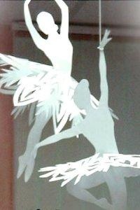 балерина в пачке из бумажной снежинки