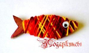 рыбка обмотанная разноцветными нитками мулине