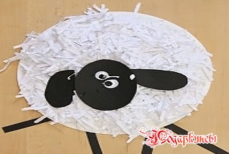Ребёнок сделал овечку