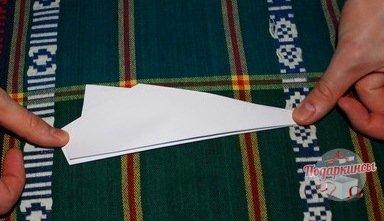 Крылья самолета не должны быть слишком маленькими или очень большими. В таких случаях самолет просто не полетит.