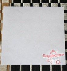 Чтобы изготовить пропеллер, берем небольшой квадратный листочек со стороной 8 сантиметров.