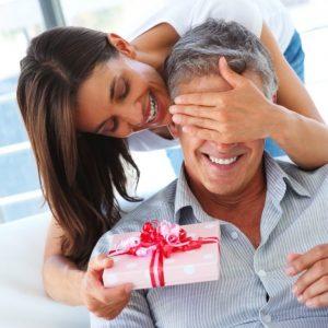 Подарок любимому мужчине: творческие идеи и лучшие варианты подарков на день рождения и праздники (110 фото + видео)