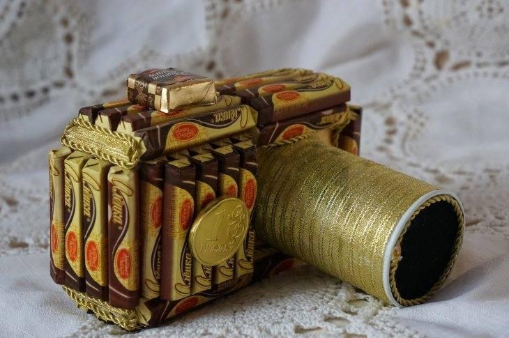 фотоаппарат из конфет мастер класс одежда