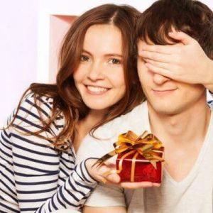Мужские подарки – лучшие идеи, которые можно подарить. Советы что выбрать для мальчиков, парней и мужчин (95 фото + видео)